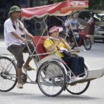 ハノイが交通渋滞緩和のためシクロの禁止を検討