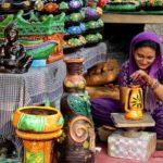 女性の労働参加率が下がり続けるインド